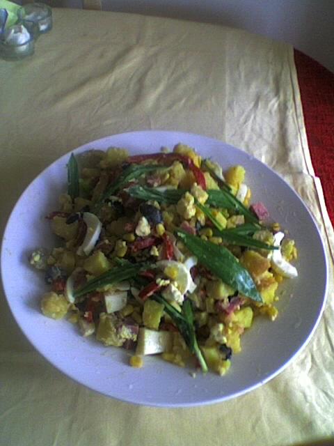 salata-cu-cartofi-si-peste-din-conserva5