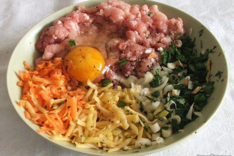 Ingrediente pentru chiftele din carne tocata cu spanac.