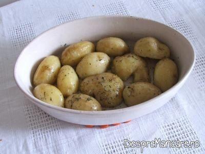 Cartofi cu ciuperci de padure, la cuptor