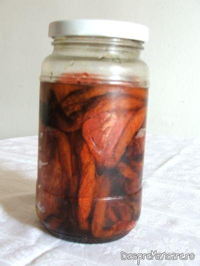 Rosii deshidratate, conservate in ulei