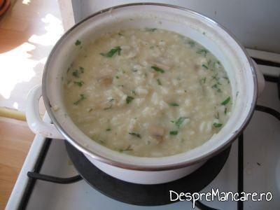 Garnitura de orez pentru calamari pane.