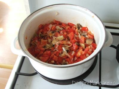 Ingrediente calite pentru mancarica de ciuperci albe.
