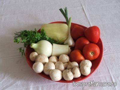 Ingrediente pentru mancarica de ciuperci albe.