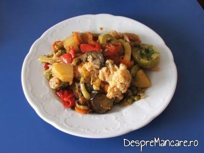 Ghiveci grecesc de legume.