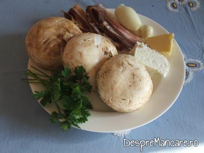Ingrediente pentru ciuperci invelite in costita afumata, la cuptor.