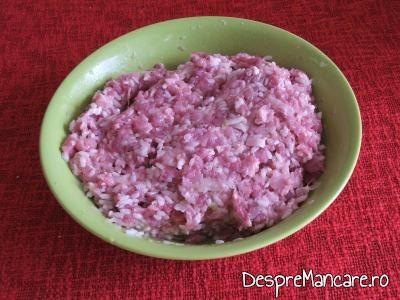 Carne tocata de vitel pentru vinete si ardei, legume umplute cu carne tocata de vitel.