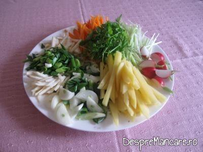 Ingrediente pentru ciuperci umplute cu legume, la cuptor.