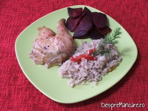 Pui la cuptor cu orez in sosul de la pui