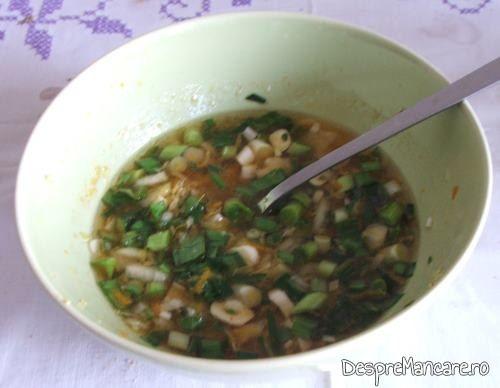 Ingredientul de macerare utilizat pentru spata de porc, macerata, cu cartofi la cuptor.