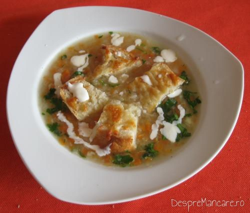 Supa crema de legume, cu crutoane si cascaval afumat