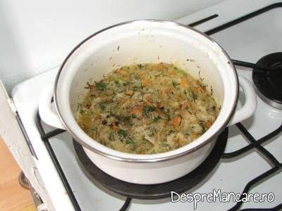Pilaf de orez, garnitura la biban cu ciuperci si legume, la tigaie, cu garnitura de orez.
