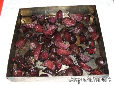Sfecla rosie este coapta. Se poate face salata imediat sau se pune in borcan si se conserva.