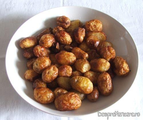 Cartofi prajiti, crocanti, pentru buture de vitel in vasul roman.