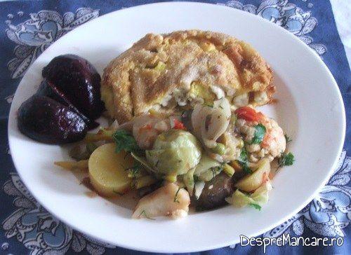 Maduvioare la cuptor servite cu ghiveci si salata din sfecla rosie coapta.