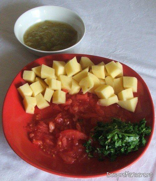 Tot legume pentru ciorba din scarita proaspata de porc, acrita cu zeama de zarzane.