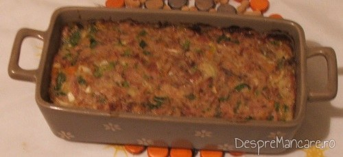 Terina din costita si carne afumata de porc, legume si carne de vitel, fierte - preparatul este gata.