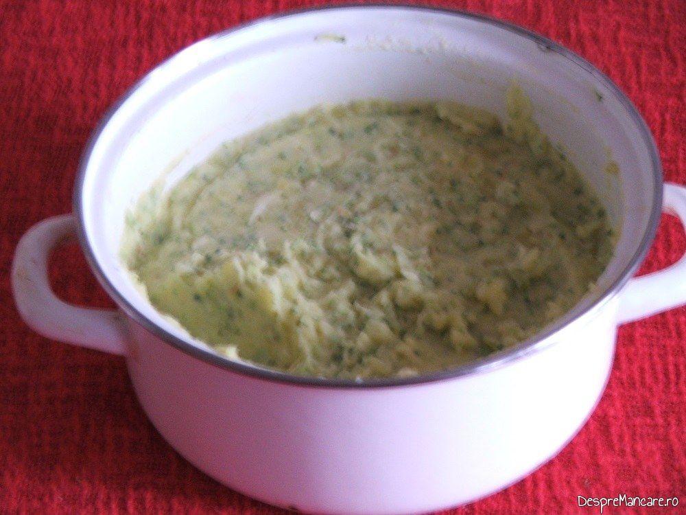 Piure de cartofi si brocoli, garnitura pentru iepure cu legume in sos de vin.