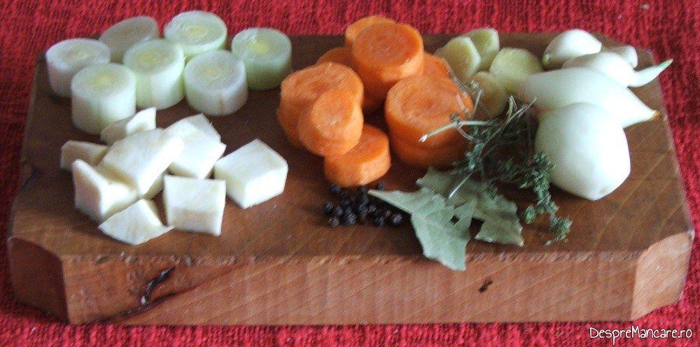 Legume portionate si condimente pentru iepure cu legume in sos de vin.