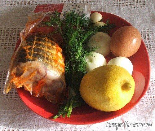 Ingrediente de trebuinta pentru chiftelute din peste afumat si cartofi fierti, la cuptor.