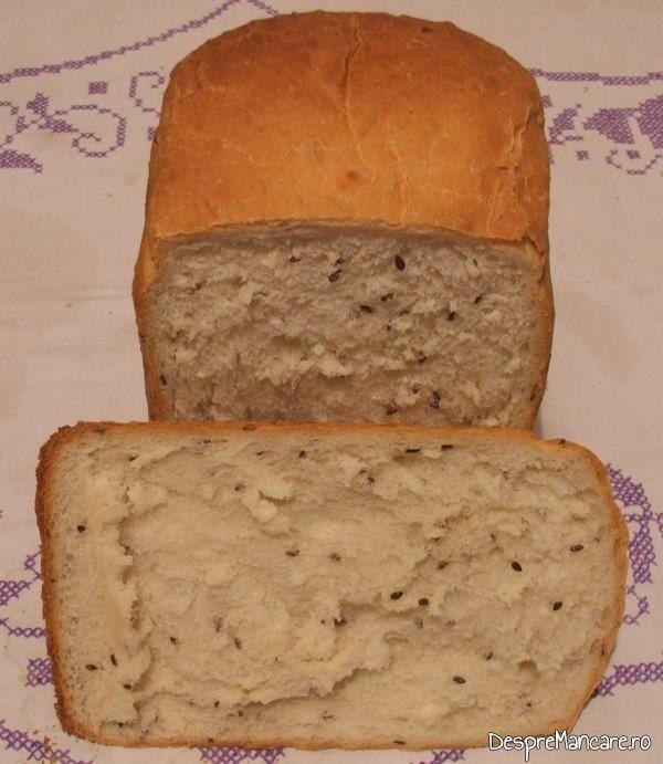 Paine facuta in casa pentru chiftelute din peste afumat si cartofi fierti, la cuptor.