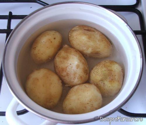 Cartofi noi pusi la fiert pentru cartofi noi si ciuperci umplute, la cuptor.