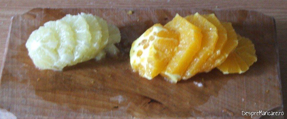 Feliere fructe in felii subtiri pentru rata cu portocale.
