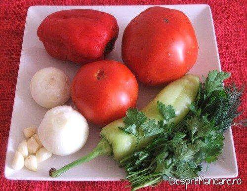 Legume si verdeata pentru paste cannelloni umplute cu carne tocata de curcan.