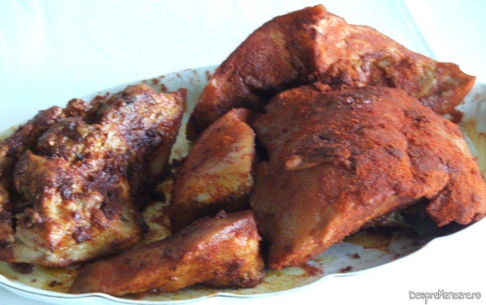 Gusa de porc fiarta in zeama de varza, tavalita prin boia, gata pregatita.