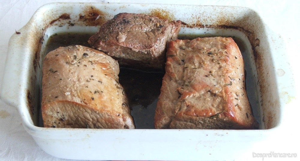 Friptura din muschi de porc si spata de vitel la cuptor, gata pregatita.