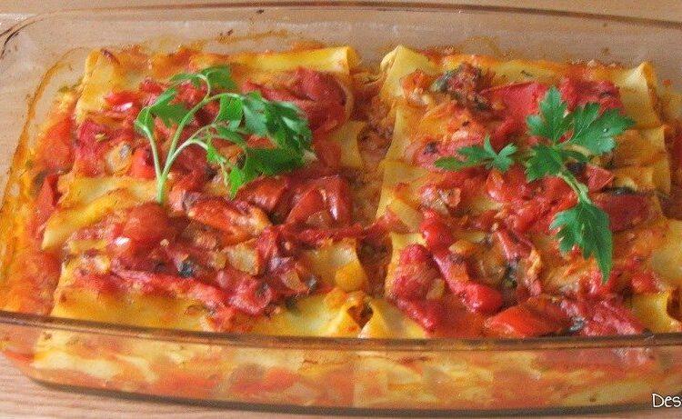 Paste cannelloni umplute cu peste, in sos de rosii gata pregatite.