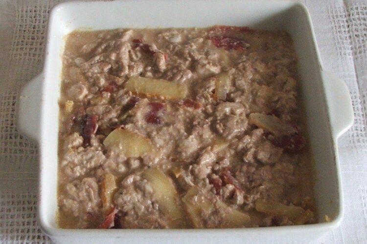 Ingrediente pregatite de coacere pentru creier de porc cu porcarele, cascaval si parmezan, la cuptor.