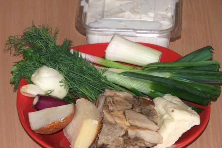 Alte ingrediente de trebuinta pentru paste Panzerotti umplute cu crab plus creveti in sos de praz, ciuperci si smantana.