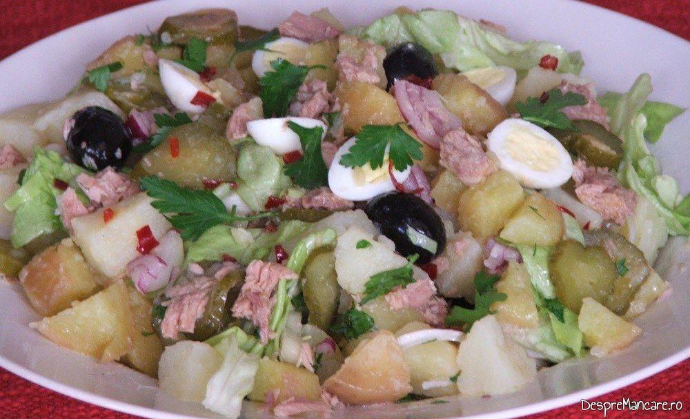Salata orientala cu ton si oua de prepelita.