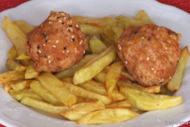 Oua de prepelita in cuib de carne tocata - preparatul este gata de servit.