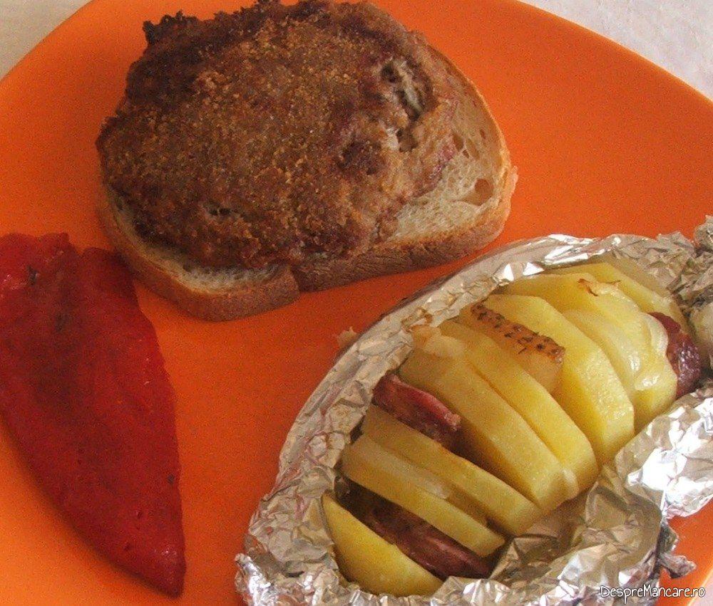 Hamburgheri de vitel cu cartofi impanati, la cuptor.