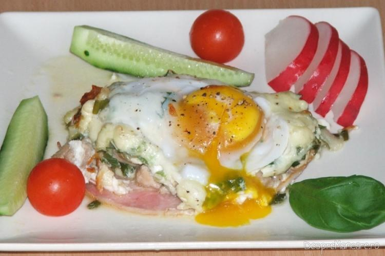 Mic dejun copios, cu de toate - preparat servit de gurmanzii fideli.
