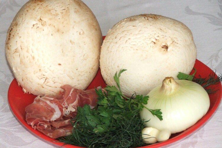 Ingrediente de trebuinta pentru ciuperci cu umplutura, la cuptor.