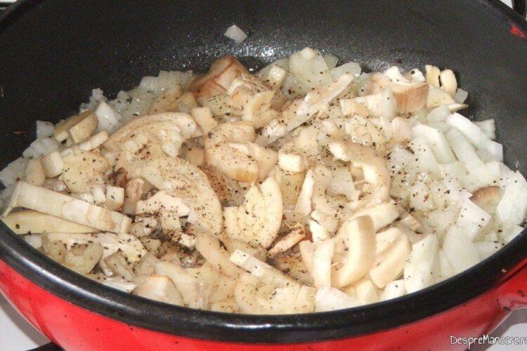 Calire amestec de ciuperci, ceapa si usturoi in amestec de unt proaspat si ulei de masline extravirgin.