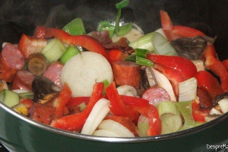 Ingrediente care se calesc pentru ardei umpluti cu legume si ce mai ai prin frigider.