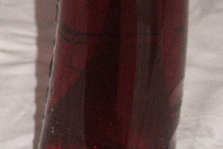 Vin rosu sec care se foloseste la pasta tartinabila din pecie de porc.