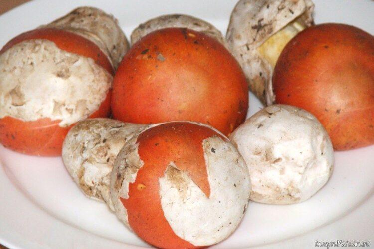 Craite folosite pentru ciuperci trase in unt servite pe paine prajita.