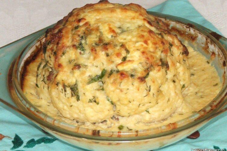 Conopida impanata cu carne tocata si apoi gratinata - preparatul este gata copt.